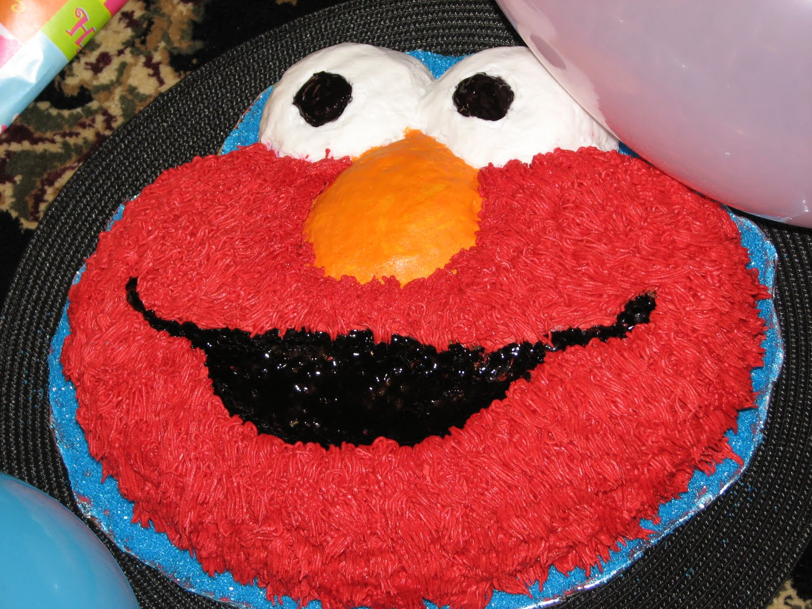 Elmo Cake Decorating Instructions : Savvy Blog....Selebrating Life s Special Moments: TODDLER ...