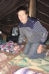 préparation de la tente nomade pour la méditation
