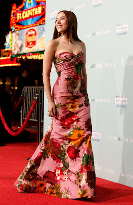 Scarlett Johansson at He`s Just Not That Into You premiere