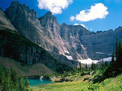 http://3.bp.blogspot.com/_NjUov1-0KnU/SxLCZDiqW_I/AAAAAAAAKKw/JqPLQM5kaUs/s1600/glacier-national-park-montana+near-iceberg-lake.jpg
