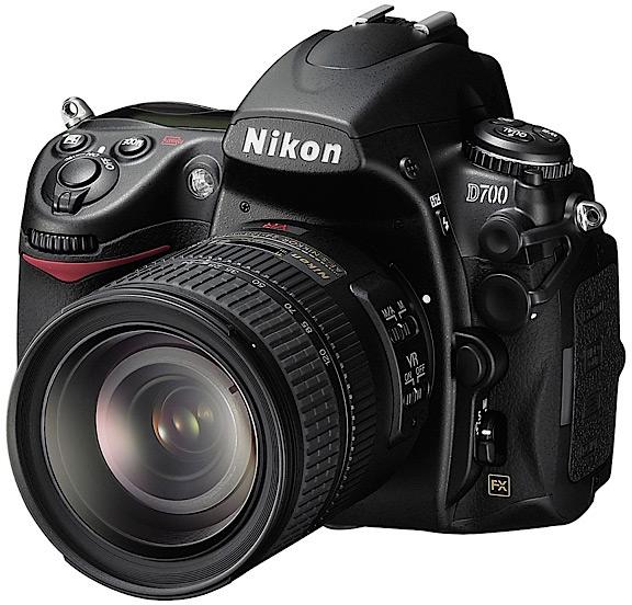 Nikon D700: tecnica della D3 nel corpo della D300