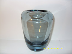WHITEFRIARS PLAIN THICK WALLED VASE ARCTIC BLUE 9364