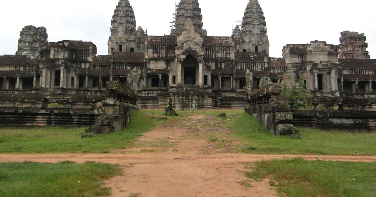 In search of siem reap angkor wat 39 s architecture for Wat architecture