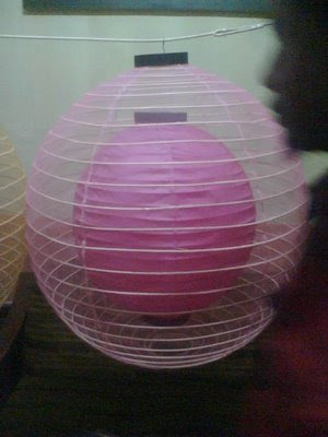 Lampion bola tumpuk adalah lampion berbentuk bola di dalam bola ...
