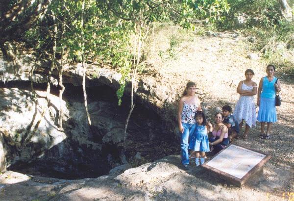 Cenote de Xcalumnkín