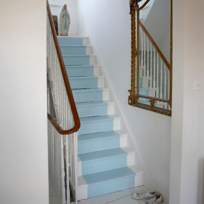 Bright Bazaar Decor Sos Battered Stairs Seek Kind And