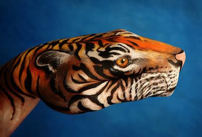 Amazing Hand Art 4