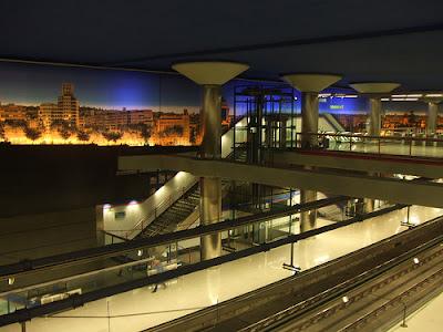 nuevos ministerios metro station.