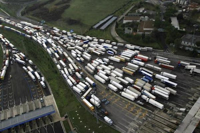 these images shows need for a better traffic management systems (10) 6