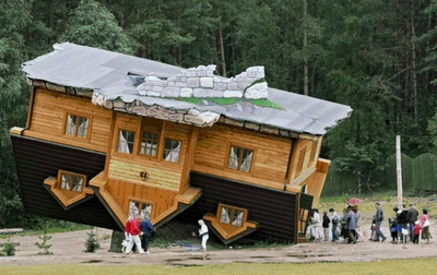 Upside Down House of  Daniel Czapiewski (8)  5