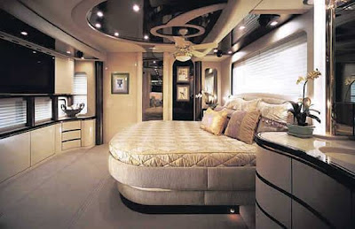 Luxury Buses: Travel In Comfort (30) 12