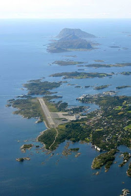 Interesting Runways Of  The World (9) 2