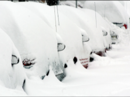 Cars Confronting Snow (3) 2