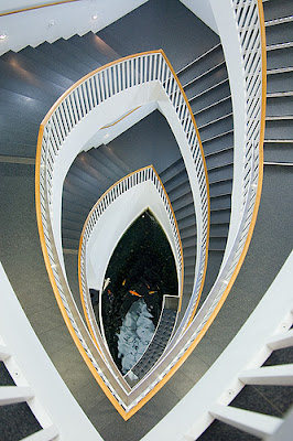 12 Creative Staircase Designs (15) 7