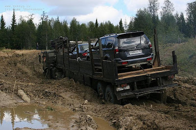 transports cars through mud (5) 1