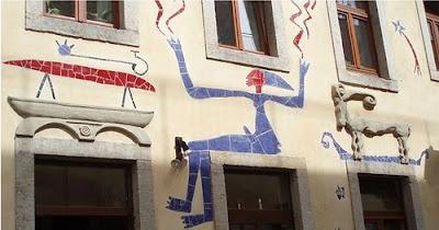Impressive Court of Kunsthof Dresden (14) 7