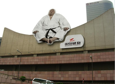 24 Clever and Creative Advertisements on Buildings (25) 22
