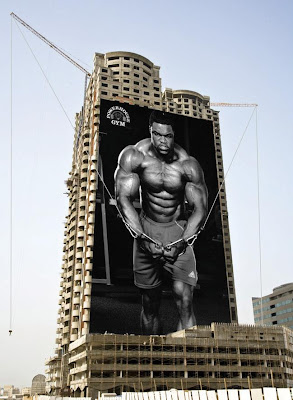 24 Clever and Creative Advertisements on Buildings (25) 7