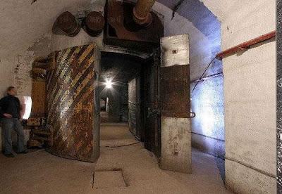 Soviet Underground Submarine Station (20) 14