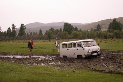 Cars Confronting Mud (9) 3