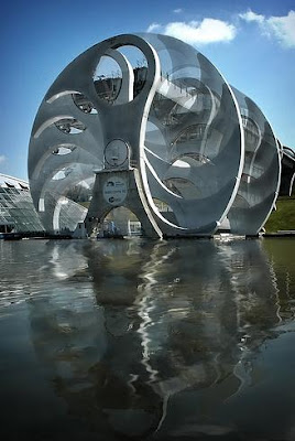 The Only Rotating Boatlift In The World - The Falkirk Wheel (11) 10