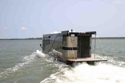 Luxurious Amphibious Motor Coach and Yacht (6) 3
