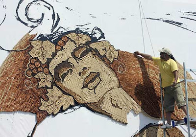 World's Biggest Cork Mosaic (7) 5