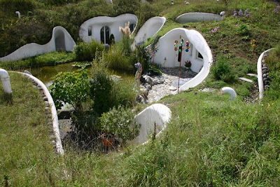 Earth House (5) 2