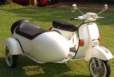 Vespa With Side Car (6) 3