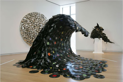 Creative and Cool Ways To Reuse Old Vinyl Records (50) 1