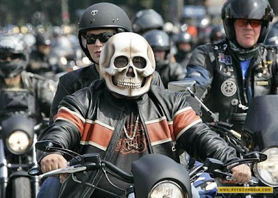 20 Cool and Creative Motorcycle Helmet Designs (20) 19