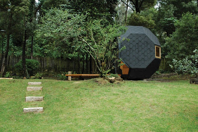 A Beautiful Compact House for your Backyard (6) 6