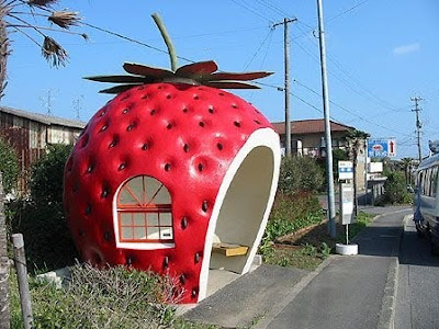 25 More Cool And Unusual Bus Stops (25) 19