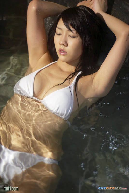 ASIAN MODELS JESSICA GOMES SWIMWEAR PHOTOS