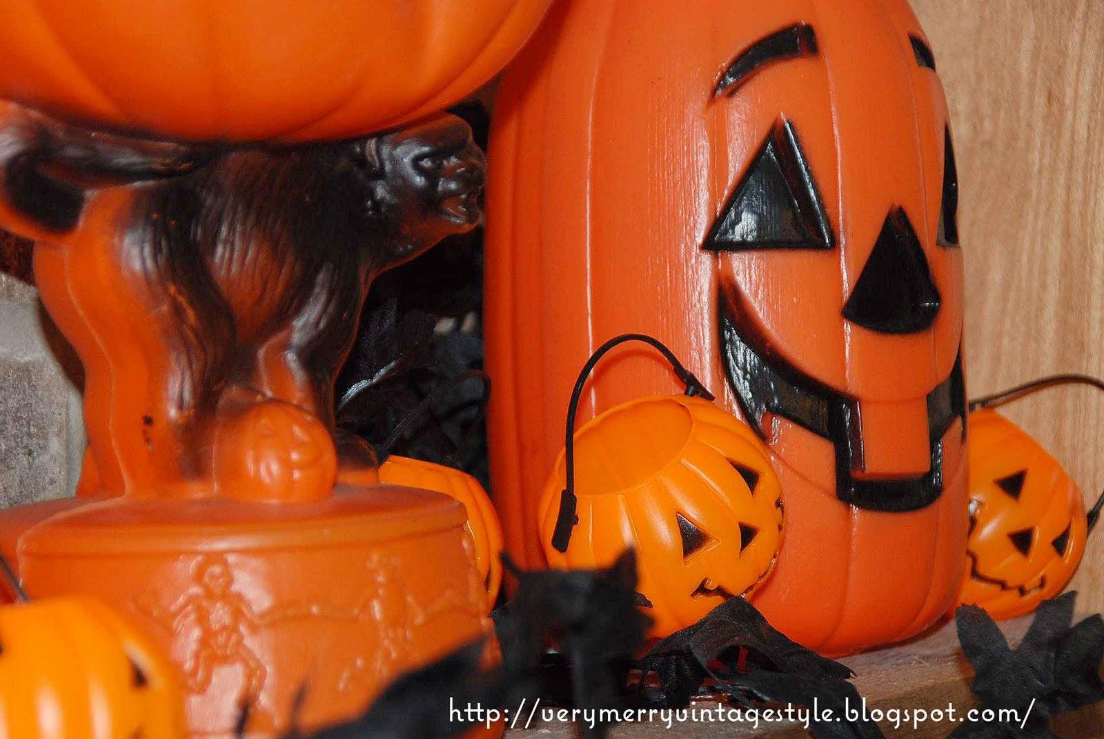Vintage halloween decorations plastic - Cute Spooky Vintage Halloween Mantel Decorations