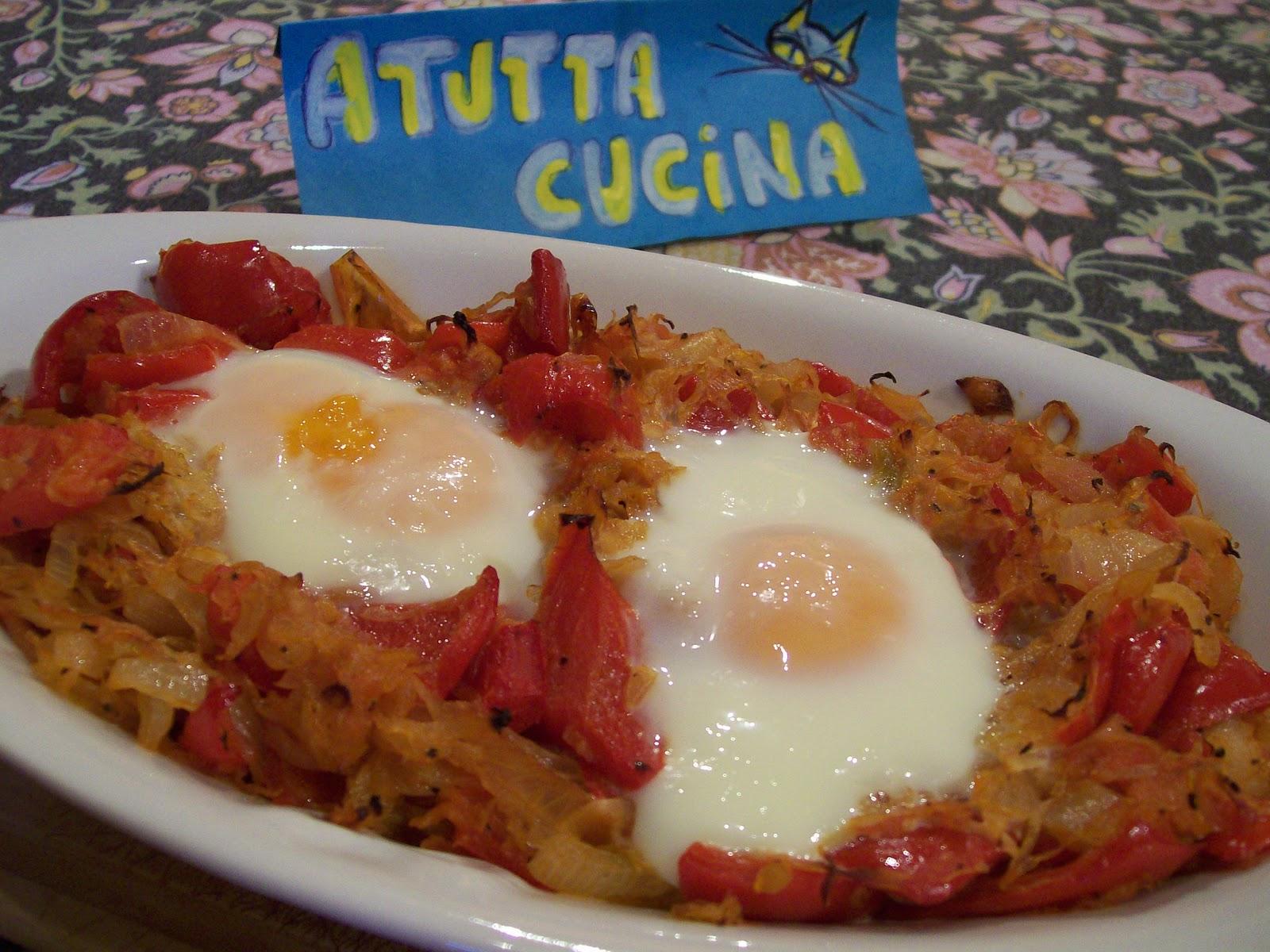 A tutta cucina uova al forno con crauti e peperoni for Cucinare 2 uova