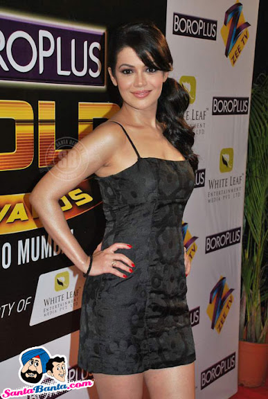 Indian TV Hotties on Gold Awards Red Carpet
