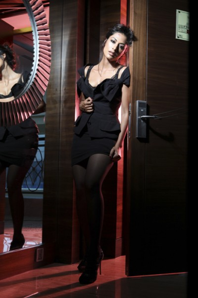 , Chitranghada Singh Hot Maxim Wallpapers