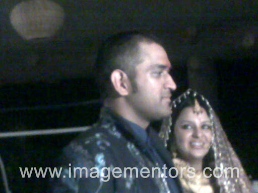 Dhoni Sakshi Marriage