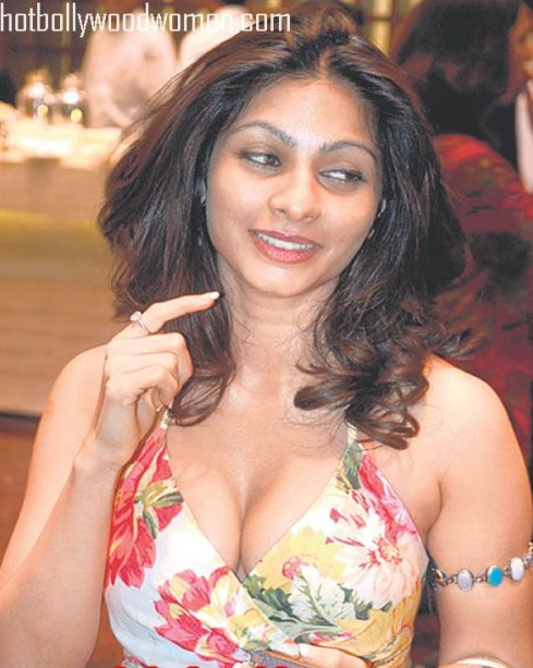 Tanisha Chatterjee Hot Unseen Pics - Unseen Pictures - Famous Celebrity Picture
