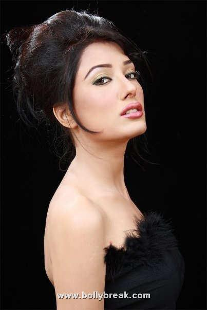 Mehwish Hayat - Pakistani Model/Actress Beautiful Pics