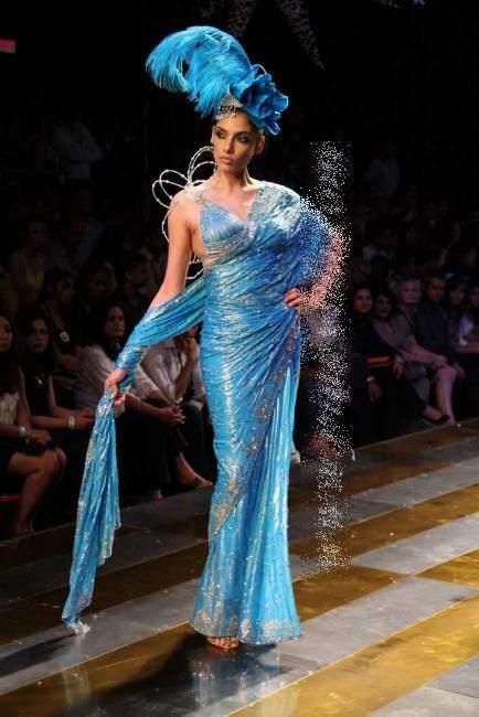 , Models on Ramp for Pearl couture week 2010 -  Manav Gangwani