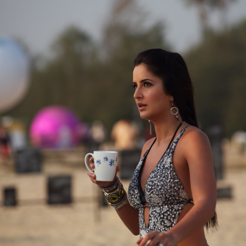 Katrina Kaif Hot Unseen Pics from Sets of Race Movie - Unseen Pictures - Famous Celebrity Picture