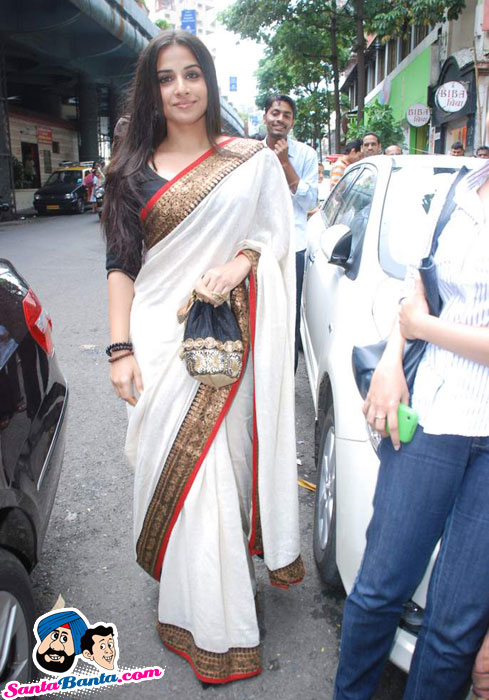 Vidya Balan in White Saree - The Maruti Story Book Launch
