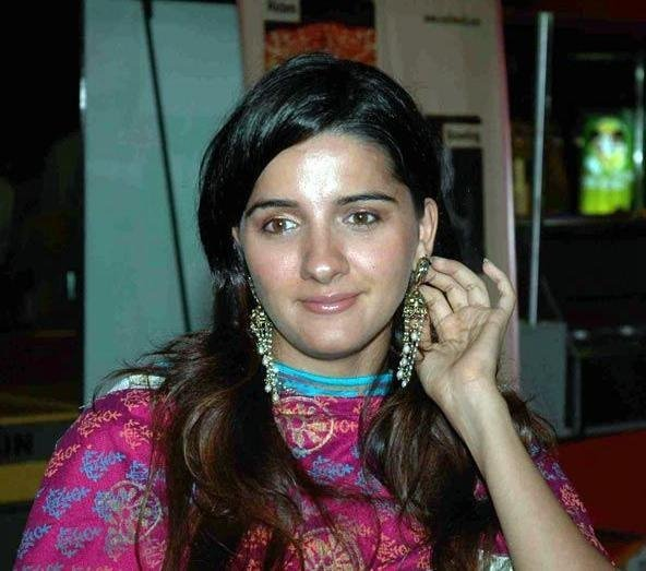 Unseen Pics of Hot Shruti Seth