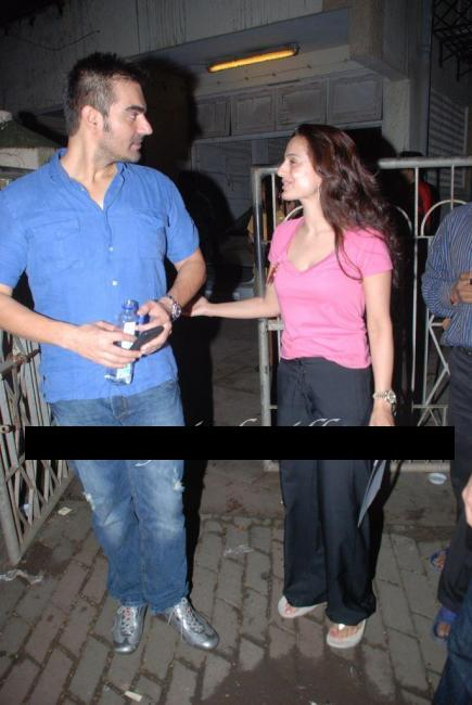 Amisha Patel Real Life Pics without Makeup with Salman Khan