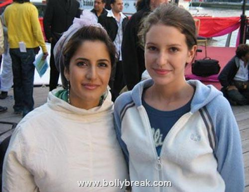 Katrina Kaif With her younger Sister - Real Life Pic