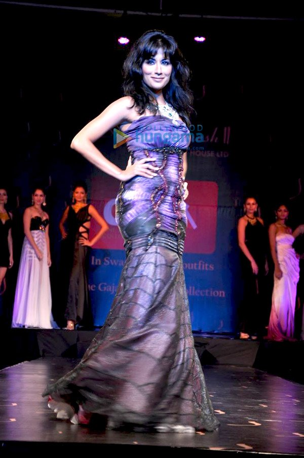 Chitrangada Singh Walks the Ramp for Gaja Jewellery Collection - eXBii