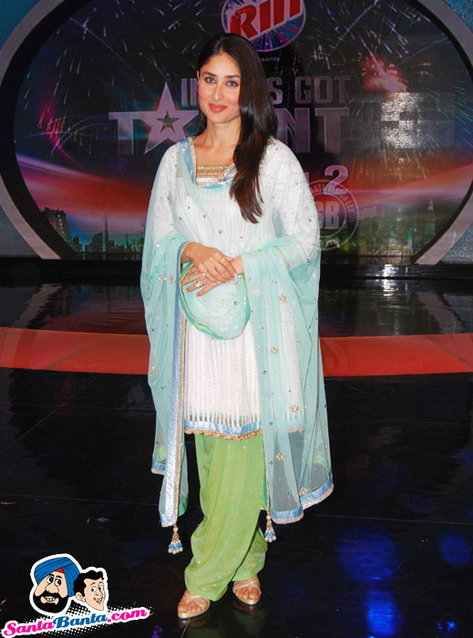 Kareena Kapoor Looking HOT in Salwaar Kameez at India&#39;s Got Talent