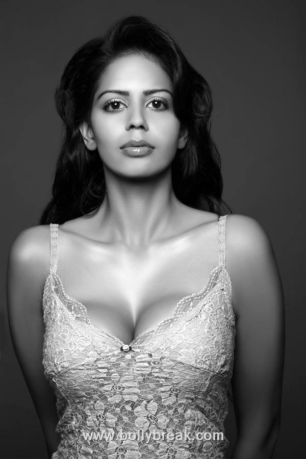 , Bhairavi Goswami Hot Unseen Pics